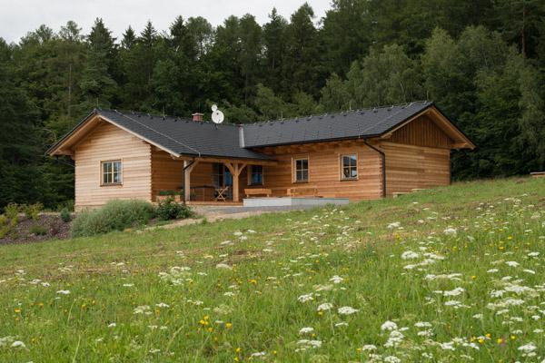 Lovecká chata voní cedrem
