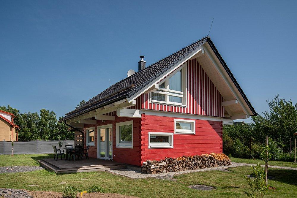 Skandinávská reminiscence v červené a bílé