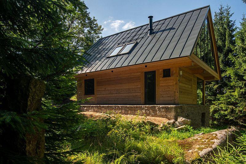 Moderní chata ve stopě minulosti