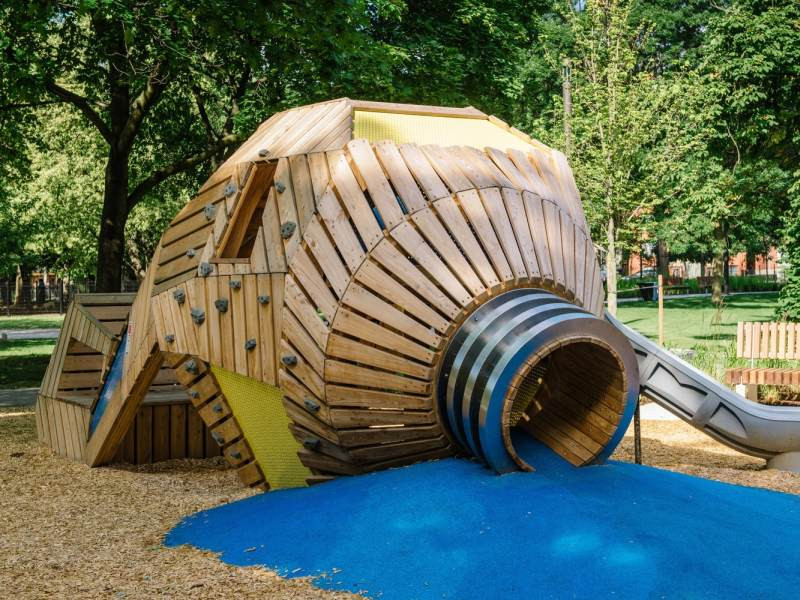 Grange Park Playground (Toronto, Ontario) PFS Studio. Image Courtesy of Wood Design  Building Awards